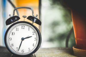 薬剤師の残業時間はどれくらい?職種別に残業時間を比較