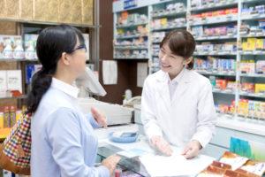 薬剤師は国家試験の勉強が大変だがやりがいがある!経済的余裕や医療への貢献などのメリットも!