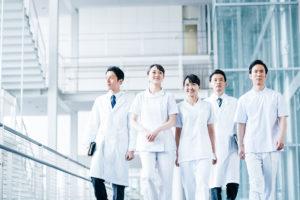 薬剤師は全国に約30万人!年々増加の傾向に