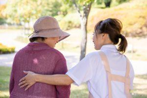 老人ホームの求人を薬剤師が見つける方法